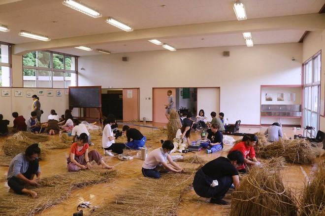 Chỉ với những cọng rơm khô, người Nhật tạo nên nhiều thứ khiến ai cũng thán phục - Ảnh 8.