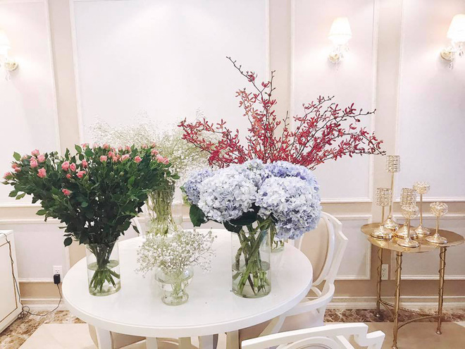 Ngắm căn hộ góc nào cũng lãng mạn và ngọt ngào với hoa tươi của hoa hậu Phạm Hương - Ảnh 20.