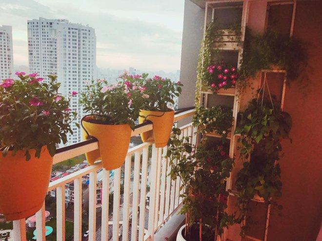 Ngắm căn hộ góc nào cũng lãng mạn và ngọt ngào với hoa tươi của hoa hậu Phạm Hương - Ảnh 25.