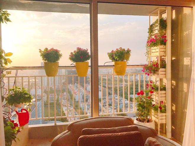 Ngắm căn hộ góc nào cũng lãng mạn và ngọt ngào với hoa tươi của hoa hậu Phạm Hương - Ảnh 26.