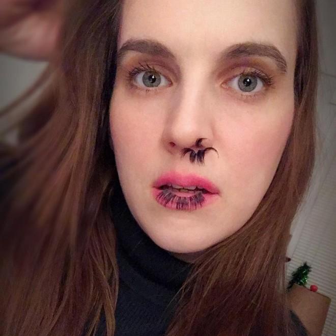 Gắn mi giả xưa rồi, giờ chị em chuyển sang mốt gắn lông mũi - Ảnh 3.