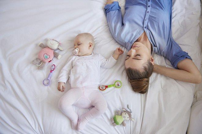 9 bí quyết để trẻ sơ sinh có giấc ngủ ngon mà bố mẹ không mệt mỏi - Ảnh 1.