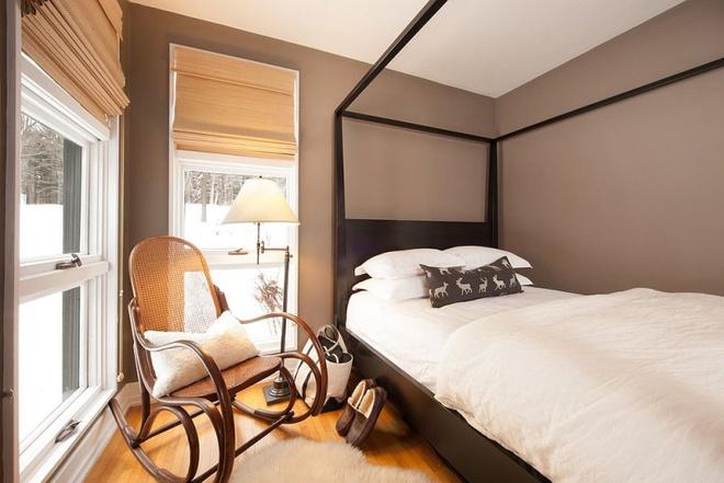 Ngôi nhà nhỏ nhưng vô cùng ấm cúng và không kém phần rộng rãi nhờ tận dụng trần cao để thiết kế gác xép - Ảnh 7.