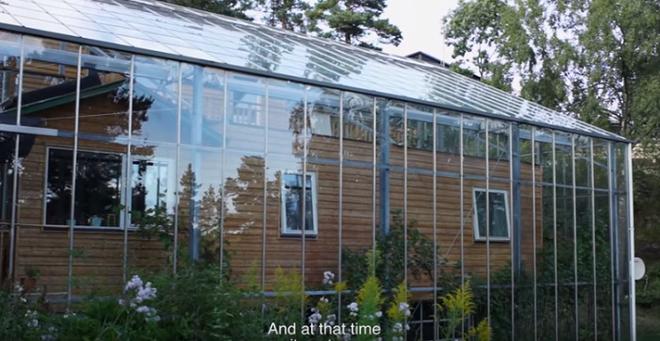 Chống lạnh bằng hệ thống kính bao quanh, đôi vợ chồng biến ngôi nhà thành sản phẩm thiết kế độc đáo nhất thế giới - Ảnh 6.
