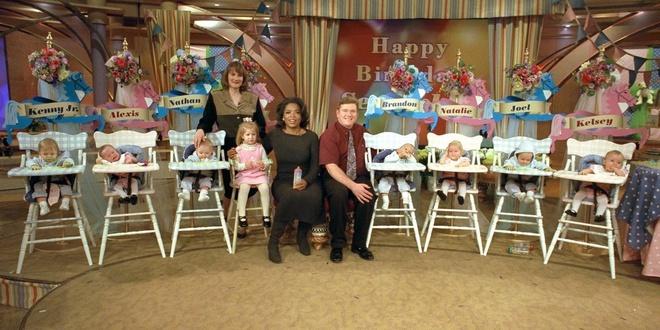 Ca sinh 7 đầu tiên trên thế giới và cuộc sống của gia đình họ sau 20 năm khiến ai cũng kinh ngạc - Ảnh 2.
