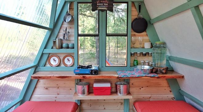 Đôi vợ chồng tự tay xây dựng một ngôi nhà nhỏ vô cùng xinh xắn với giá thành chưa tới 18 triệu đồng - Ảnh 4.