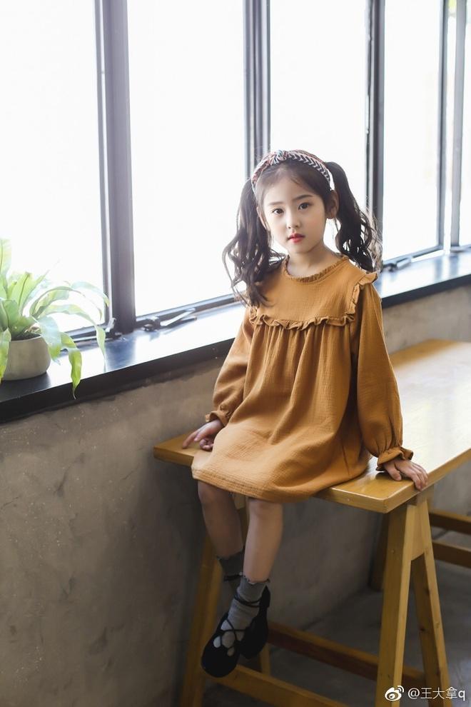 Tiểu tiên nữ có vẻ đẹp giống hệt Trương Bá Chi được dự đoán sẽ trở thành hot girl tương lai - Ảnh 8.