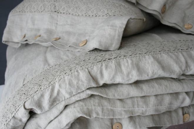 11 mẫu chăn ga gối bằng vải linen mềm mại và ấm áp nên có trong phòng ngủ vào mùa thu đông - Ảnh 2.