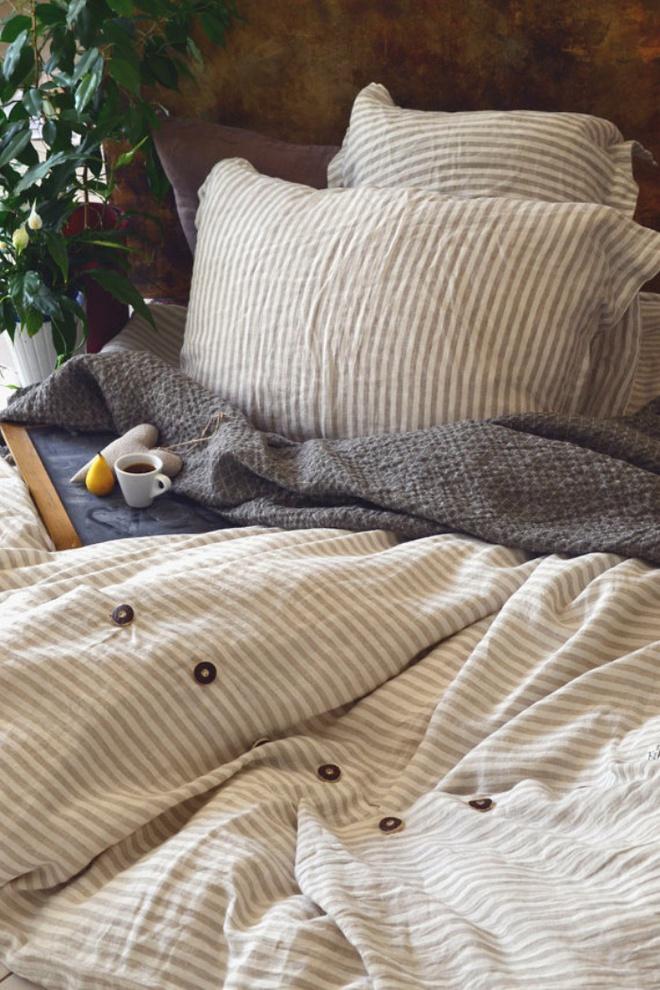 11 mẫu chăn ga gối bằng vải linen mềm mại và ấm áp nên có trong phòng ngủ vào mùa thu đông - Ảnh 5.