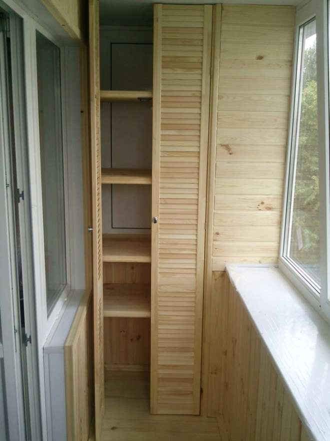 Thiết kế tủ lưu trữ ở ban công chỉ với 2m² là có thể thực hiện được, bạn đã biết chưa? - Ảnh 1.