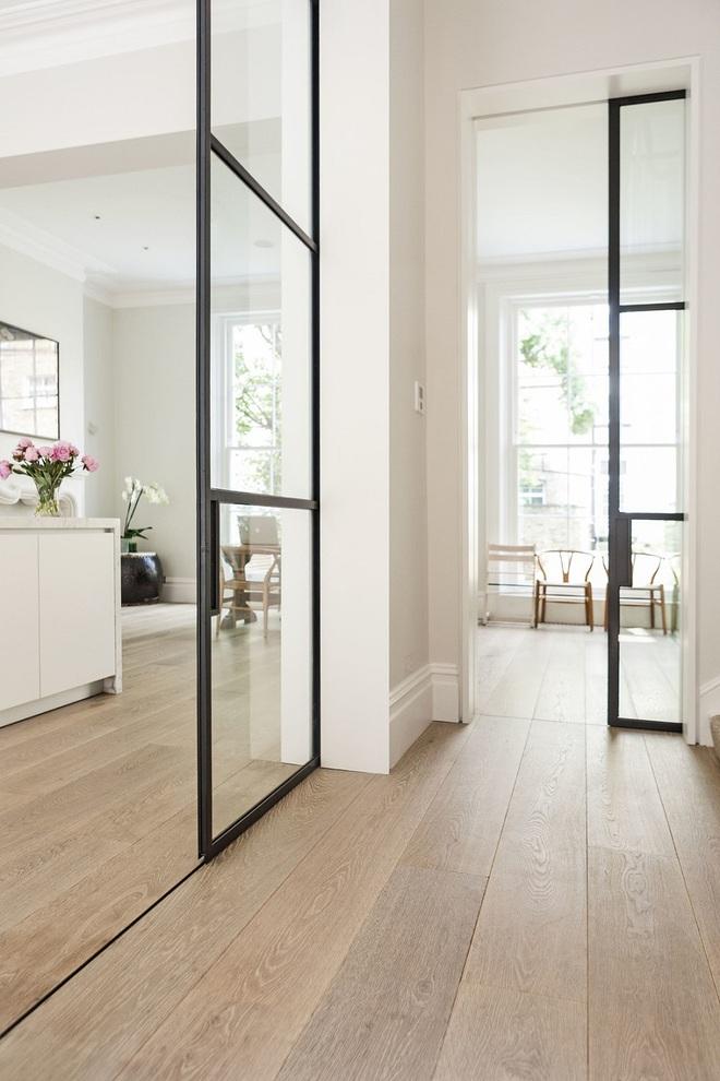 Tham khảo ngay những mẫu thiết kế cửa kéo vừa tiện lợi lại tiết kiệm diện tích cho nhà nhỏ - Ảnh 2.
