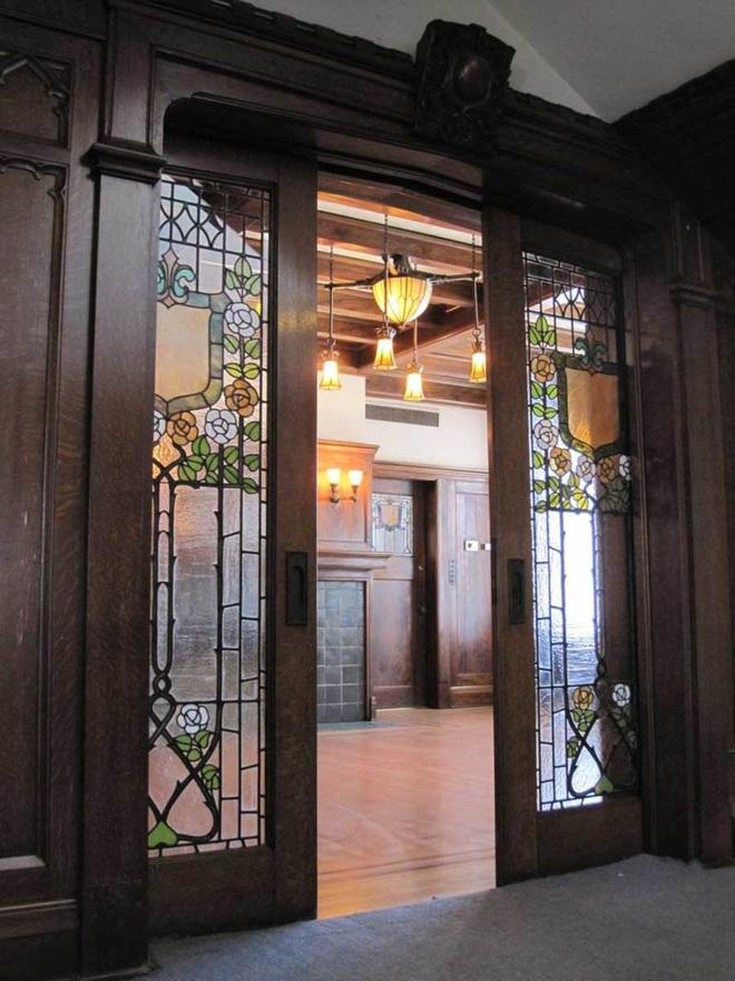 Tham khảo ngay những mẫu thiết kế cửa kéo vừa tiện lợi lại tiết kiệm diện tích cho nhà nhỏ - Ảnh 9.