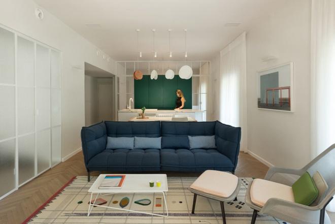 Cải tạo căn hộ tối tăm được xây dựng từ năm 1930 thành không gian ngập tràn ánh sáng - Ảnh 1.