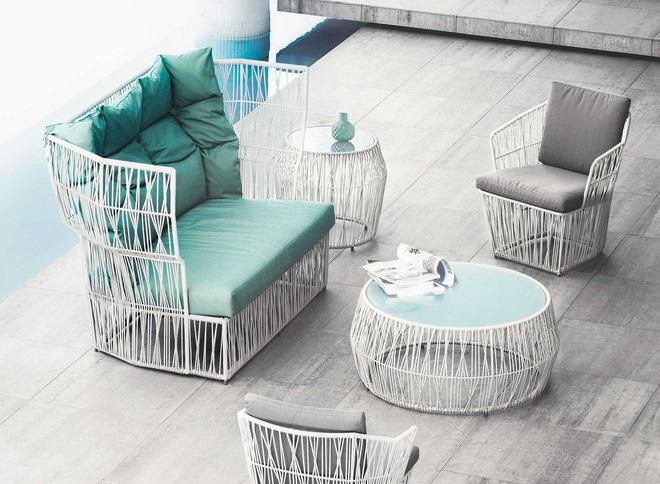 Thiết kế ghế nhựa dẻo đẹp cho góc thư giãn ngoài trời thêm trẻ trung và phong cách - Ảnh 4.