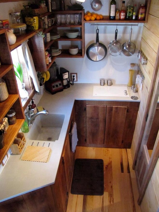 Thiết kế nhà bếp chỉ 2m² thật dễ dàng nhờ sự thông minh và sáng tạo - Ảnh 1.
