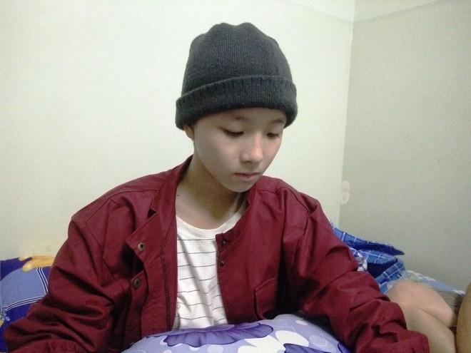 Mẹ vừa mới mất, người cha đau đớn nhìn con gái 15 tuổi mắc bệnh ung thư xương ác tính mà không tiền chữa trị - Ảnh 6.