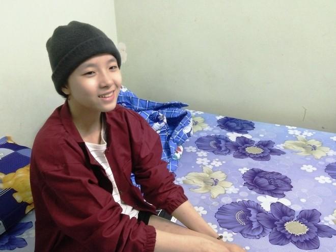 Mẹ vừa mới mất, người cha đau đớn nhìn con gái 15 tuổi mắc bệnh ung thư xương ác tính mà không tiền chữa trị - Ảnh 8.