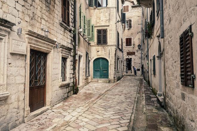 Nín thở ngắm nhìn những con phố đẹp nhất trên thế giới - Ảnh 7.