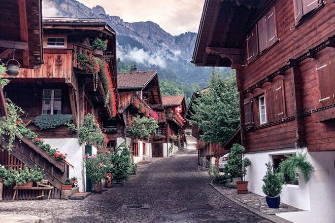 Nín thở ngắm nhìn những con phố đẹp nhất trên thế giới - Ảnh 10.