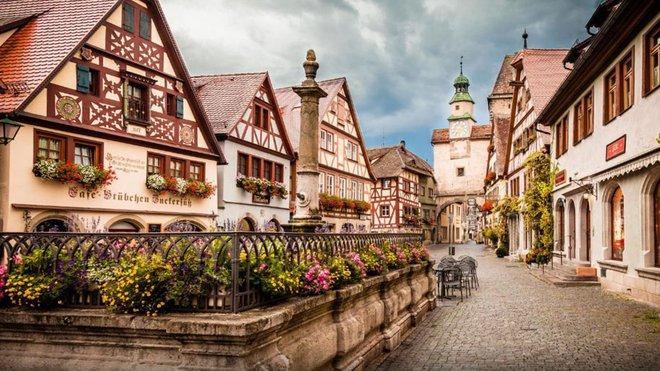 Nín thở ngắm nhìn những con phố đẹp nhất trên thế giới - Ảnh 11.
