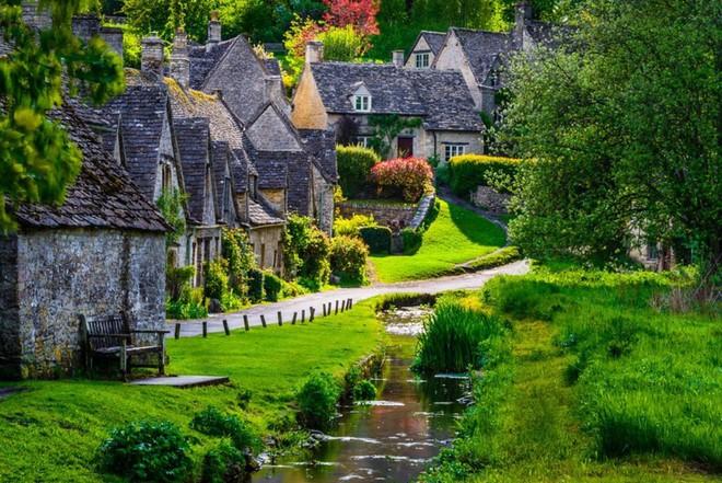 Nín thở ngắm nhìn những con phố đẹp nhất trên thế giới - Ảnh 16.