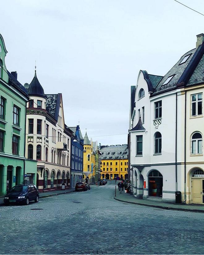 Nín thở ngắm nhìn những con phố đẹp nhất trên thế giới - Ảnh 23.