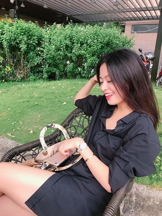Soi nhất cử nhất động của sao Việt (1/12) - Ảnh 10.