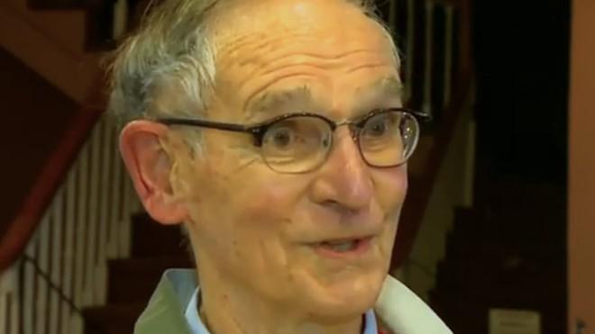 Đánh mất ví từ khi còn là cậu bé, 71 năm sau vẫn tìm lại được - Ảnh 9.