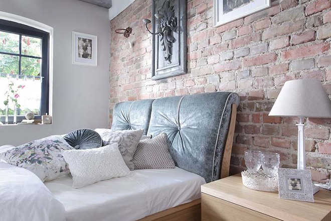 7 ý tưởng quá dễ dàng để trang trí đầu giường giúp phòng ngủ trở nên cuốn hút bất ngờ - Ảnh 2.