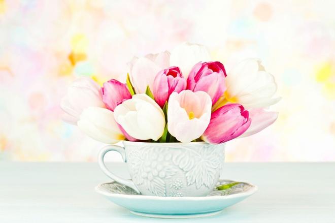 Các kiểu cắm hoa tươi đơn giản mà ấn tượng cho nhà đẹp dịp năm mới - Ảnh 1.