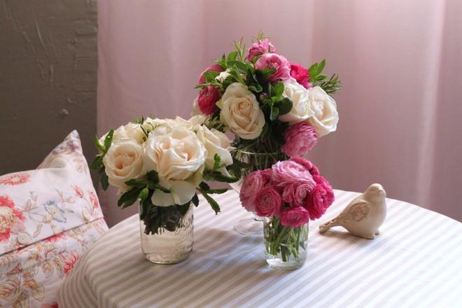 Các kiểu cắm hoa tươi đơn giản mà ấn tượng cho nhà đẹp dịp năm mới - Ảnh 8.