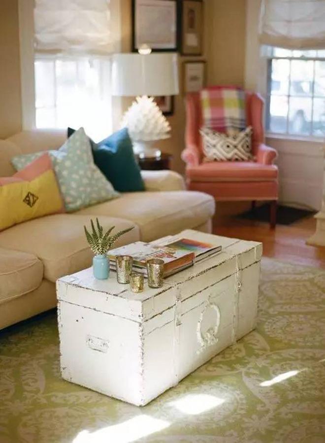 Không ngờ những chiếc vali cũ lại có thể giúp cho phòng khách đẹp đến như vậy - Ảnh 6.