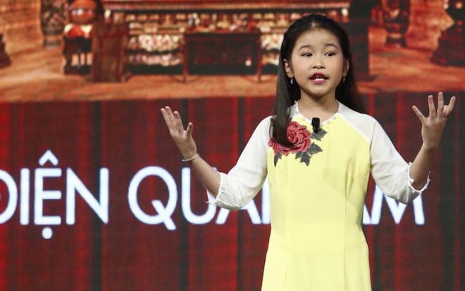 Tự học qua mạng, cô bé 9 tuổi khiến cả nước ngưỡng mộ vì khả năng bắn tiếng Anh vanh vách với du khách nước ngoài - Ảnh 2.