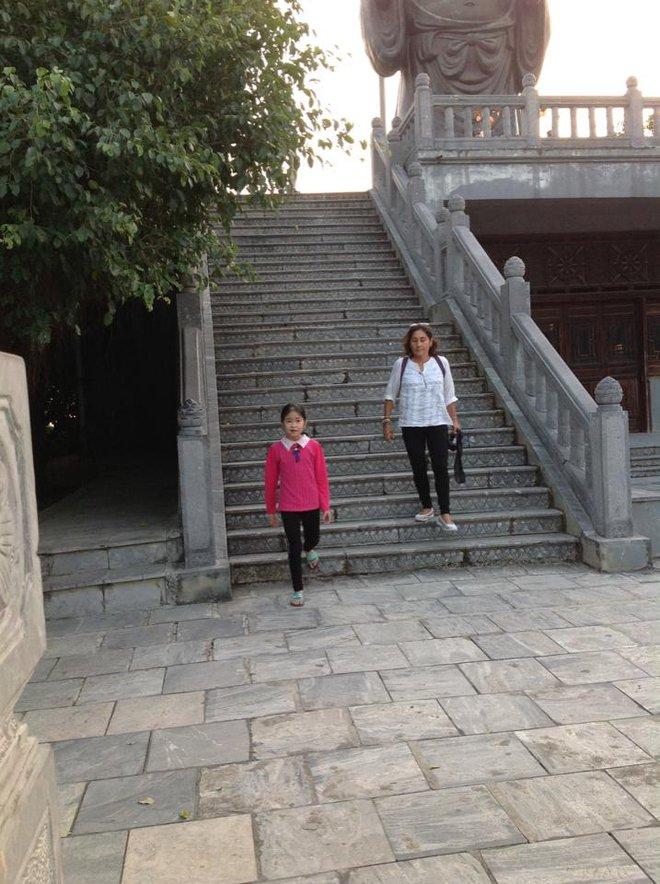 Tự học qua mạng, cô bé 9 tuổi khiến cả nước ngưỡng mộ vì khả năng bắn tiếng Anh vanh vách với du khách nước ngoài - Ảnh 7.
