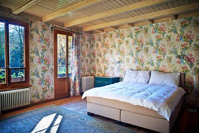 Được ở trong ngôi nhà gỗ bình yên như thế này thì chắc chắn bạn sẽ lãng quên ngay nhà phố hiện đại - Ảnh 12.