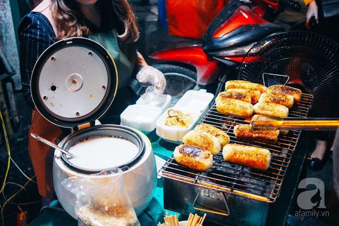 Chấm điểm chuối bọc nếp nướng - món ăn đường phố Sài Gòn ngon nhất thế giới vừa có mặt ở Hà Nội - Ảnh 6.