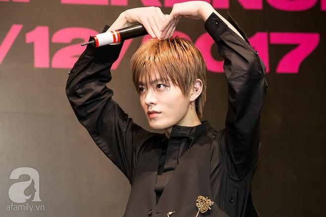 Hơn 300 fan xếp hàng chờ đợi hàng giờ để được gặp các chàng soái ca NCT 127 - Ảnh 5.