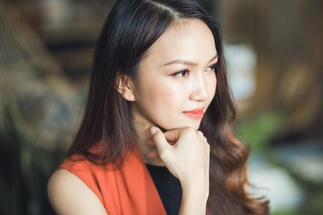 """Cô nàng xin 1 được 2 trong """"Thương vụ bạc tỷ"""" Thùy Trang: Lấy chồng cũng sẽ hoạch định rõ ràng như làm kinh doanh - Ảnh 12."""
