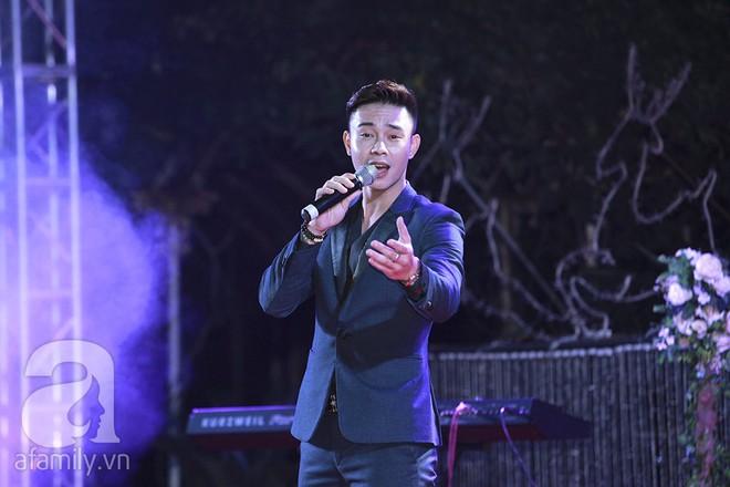 Nghi vấn Quán quân Vietnam Idol 2014 Nhật Thủy có bầu 4 tháng trong đám cưới với bạn doanh nhân - Ảnh 11.