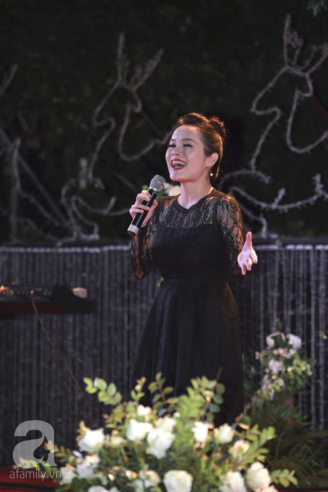 Nghi vấn Quán quân Vietnam Idol 2014 Nhật Thủy có bầu 4 tháng trong đám cưới với bạn doanh nhân - Ảnh 12.