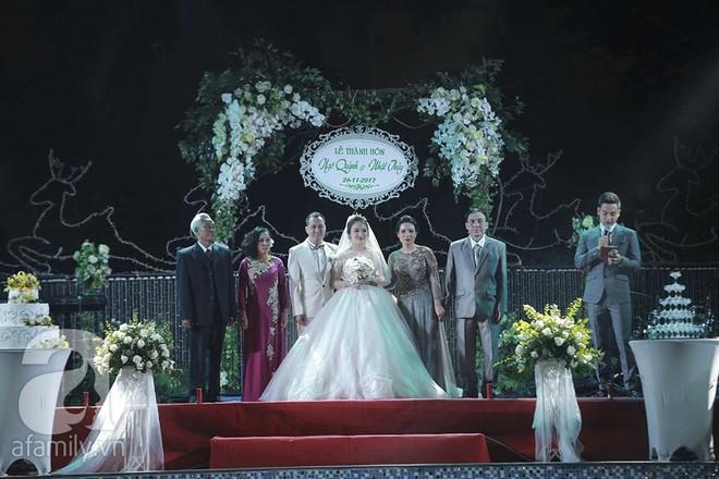 Nghi vấn Quán quân Vietnam Idol 2014 Nhật Thủy có bầu 4 tháng trong đám cưới với bạn doanh nhân - Ảnh 5.