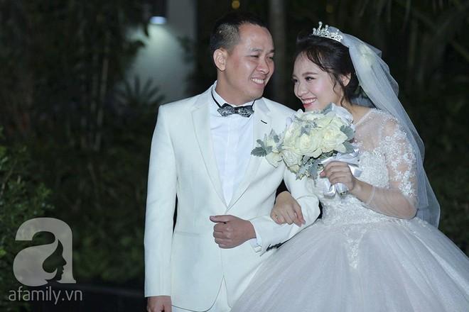 Nghi vấn Quán quân Vietnam Idol 2014 Nhật Thủy có bầu 4 tháng trong đám cưới với bạn doanh nhân - Ảnh 7.