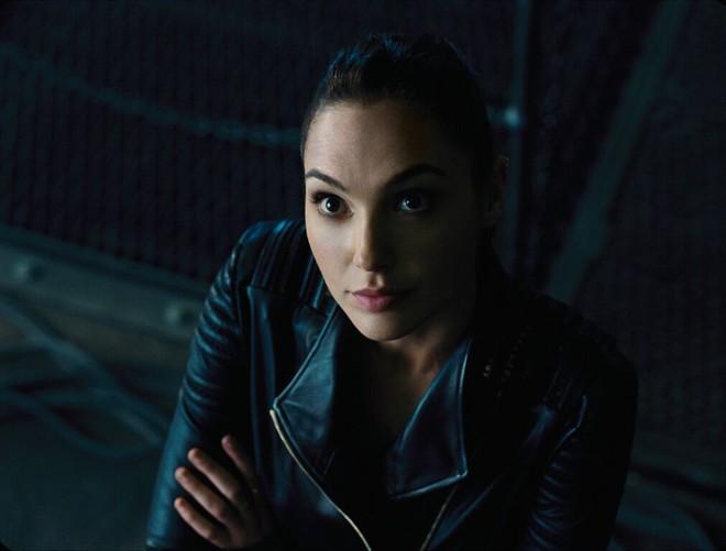 Điểm mặt dàn sao hùng hậu nhìn là muốn xem của bom tấn Justice League - Ảnh 8.