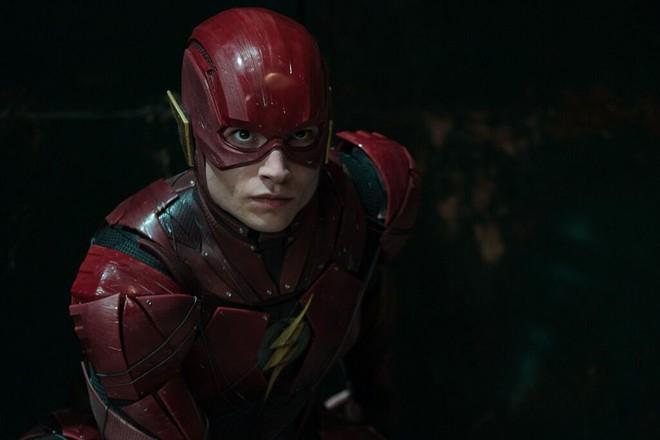 Điểm mặt dàn sao hùng hậu nhìn là muốn xem của bom tấn Justice League - Ảnh 12.