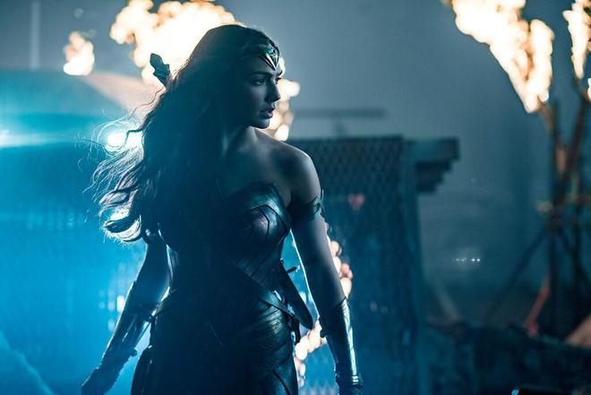 Điểm mặt dàn sao hùng hậu nhìn là muốn xem của bom tấn Justice League - Ảnh 7.