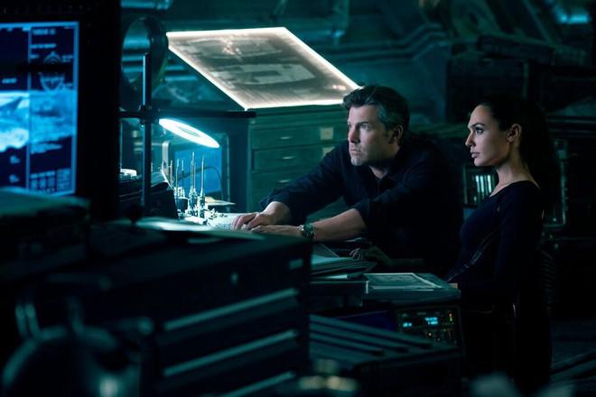 Điểm mặt dàn sao hùng hậu nhìn là muốn xem của bom tấn Justice League - Ảnh 3.