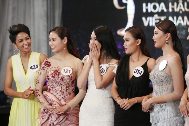 Sau ồn ào rút khỏi cuộc thi, hình ảnh Mai Ngô mất hút ở Hoa hậu Hoàn vũ 2017 - ảnh 14