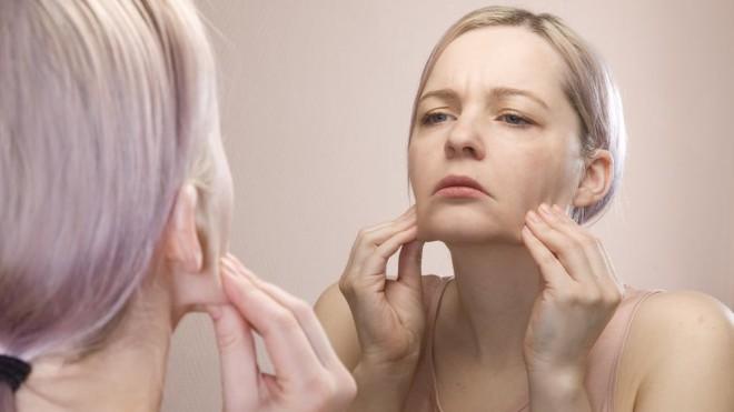 Điều gì thực sự xảy ra với da mặt khi bạn đi ngủ không tẩy trang - Ảnh 6.