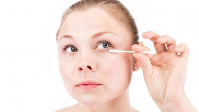 Điều gì thực sự xảy ra với da mặt khi bạn đi ngủ không tẩy trang - Ảnh 7.