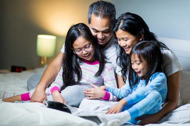 Nếu cha mẹ không có 10 thói quen này, thì đừng mong có thể dạy con nên người - Ảnh 2.